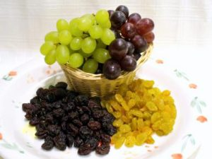 grapes-and-raisins
